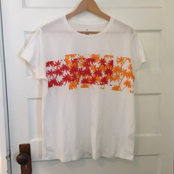 Uniqlo x tomas maier short-sleeve tee - size L